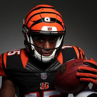 Locked on Bengals - Eifert's cleared, John Ross speaks and more