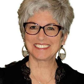 Jayne Sanders - How Scientific Hand Analysis Influences Personal and Professional Success