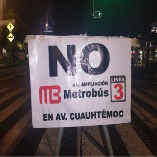 Continúa bloqueada la Avenida Cuauhtémoc