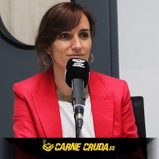 Mónica García: la médica que se enfrenta a Ayuso (CARNE CRUDA #843)