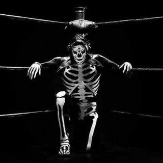 Episodio 17 - The Wrestling World, The Podcast: En Memoria de La Parka