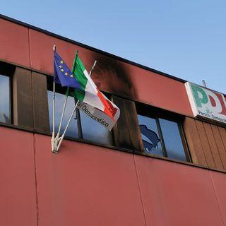 Attacco alla sede provinciale del Partito Democratico. Forse lanciata una molotov