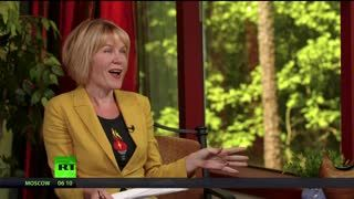 Keiser Report: Red Queens and Looking Glasses (E1423)
