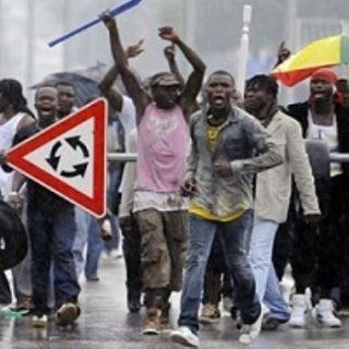 Svezia, il drammatico fallimento del modello ''porte aperte agli immigrati''
