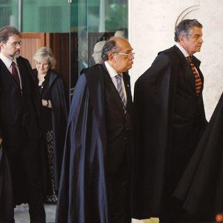 Uma trama global para derrubar Bolsonaro