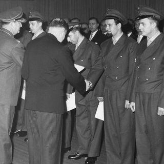 Ernennung der ersten Soldaten der Bundeswehr (am 12.11.1955)