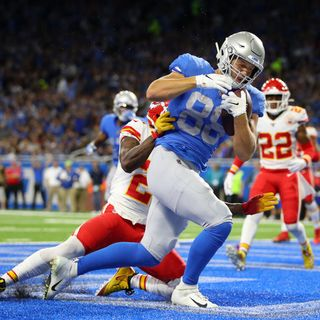 "Bob Quinn's ""Comfortable"" with Matthew Stafford, Derrick Rose's Next Possible Destination, Playing For Your Dad, & T.J. Hockenson Pick"