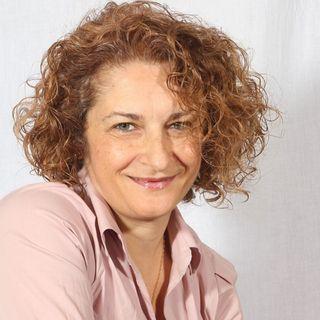 Cristina Caboni, intervista alla scrittrice de 'Il sentiero dei profumi'