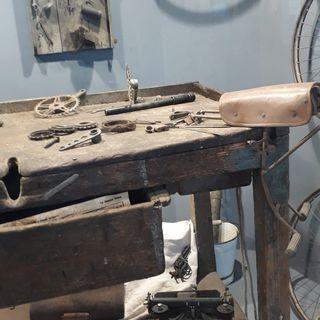 02 - Un tavolo resistente - dall'officina Bezzi di Ravenna