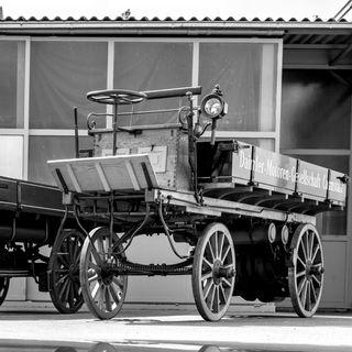 Il camion ha 125 anni, ecco come li ha vissuti