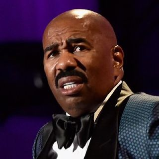 Steve Harvey Makes Fun Of Flint Water Crisis On His Radio Show.