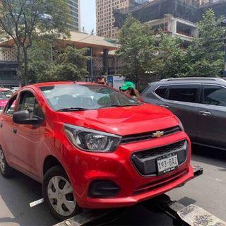 Ocho taxis por aplicación fueron remitidos ayer en la CDMX, al corralón, la SEMOVI advirtió que continuarán estos operativos..