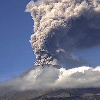 Popocatépetl registra emisión de ceniza