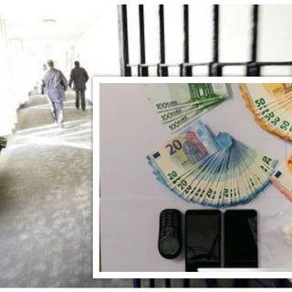Spacciatore intercettato da Squadra Mobile con 30 grammi di coca e 5 mila euro