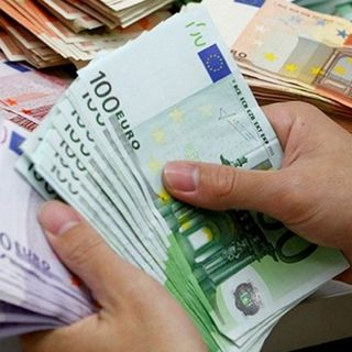 Da domani stop ai pagamenti in contanti oltre i 2 mila euro
