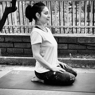 Mi presento sono Cinzia Guerriero istruttrice di Yoga