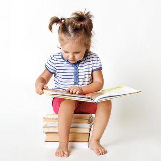 ¿A qué edad debe leer mi hija o hijo?