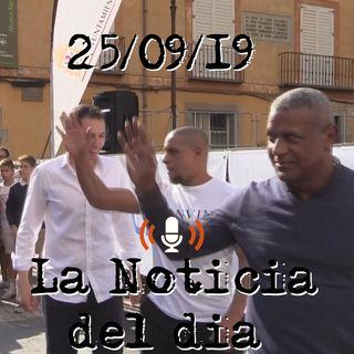 Jóvenes de León aprenden el jogo bonito junto a Roberto Carlos y Mazinho | La Noticia Del Dia