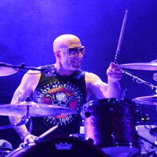 Legendary drummer and keynote speaker Kenny Aronoff is my very special guest on The Mike Wagner Show!
