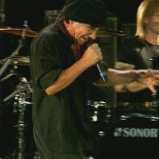 AC-DC - Hard as a Rock (Stade De France, Paris, June 2001)