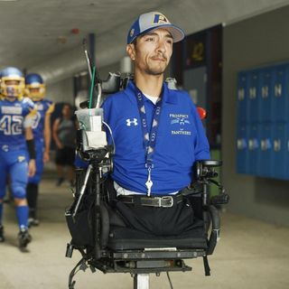 Dad to Dad #58 - Bob Mendez' son Robert was born with no arms and no legs and is a varsity high school football coach.