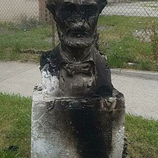 Abraham Lincoln Statue Destroyed In Chicago