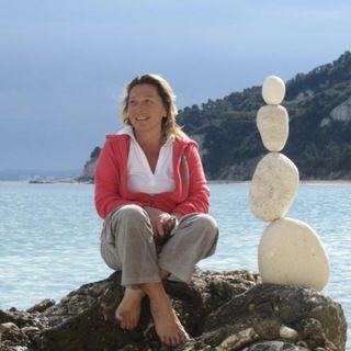 Sassi in equilibrio [stone balancing] - Intervista a Loriana Tittarelli