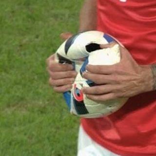 Ep.2 - I conti del calcio, il futuro dell'Inter, Marchionne, Stellantis e Balcani