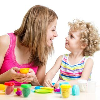 Parenting ~ Three simple child management skills- A short interview with parenting coach Cornelia Lockitch.