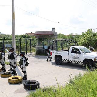 Custodios del penal de Morelos están en paro
