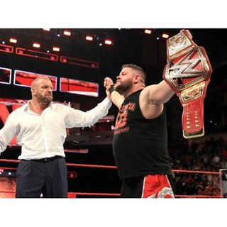 NEW UNIVERSAL CHAMPION! WWE RAW REVIEW 8/29/2016 (NOISEBLEED PODCAST #19)