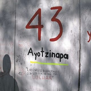 La CoVAJ-Ayotzinapa presentará una denuncia ante la FGR por la filtración del expediente a un diario de circulación nacional