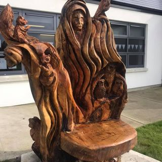 John Hayes tells Geoff about his latest carvings
