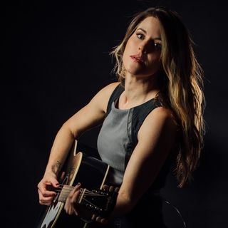 """Chicago singer/songwriter  Leslie Hunt of """"District 97"""" talks about her solo release """"Ascend"""" and coming soon """"Descend""""!"""