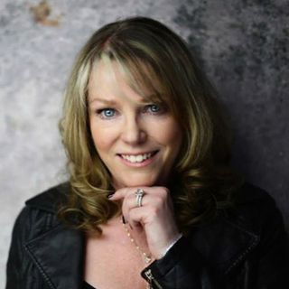 Elayne Whitfield: Co-Founder Canadian Association of Virtual Assistants