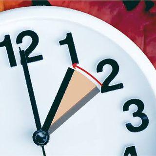 Aeropuertos retrasarán una hora los relojes