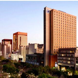 Hombre muere frente a hotel Hilton en la Ciudad de México