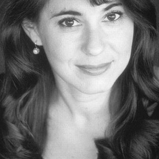 Sasha Lauren, Author, Patient Care Advocate Sits Down With Us