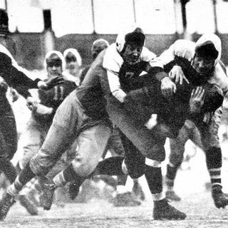 """TGT Presents On This Day: December 9, 1934 NFL Championship Giants beat Bears in the """"Sneakers Game"""""""