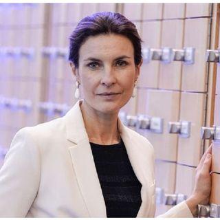 """Minacce all'eurodeputata del Pd Alessandra Moretti: """"Se ti buttano l'acido in faccia festeggeremo"""""""