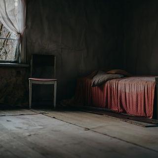 Taş Parçaları/ Sunu - Birhan Keskin