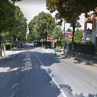 Un ragazzo di 17 anni viene avvicinato da tre malviventi mascherati. Spariti 120 euro