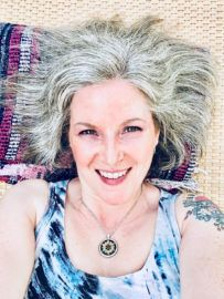 Kelly Lynn Prime - Energy Healer, Clairvoyant and Mobile Yoga Teacher