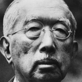 Hirohito erklärt, kein Gott zu sein (am 1.1.1946)