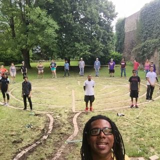 Using Labyrinths to Dissolve Boundaries Through Artistic Expression and Social Engagement