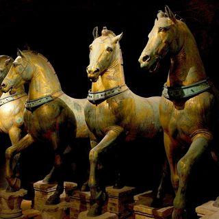 47 - La Quadriga dei cavalli marciani e il Bucintoro