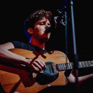 Alessandro Ragazzo - Intervista + Live acustico