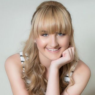 The amazing multi-talented Chloe Collins from Nashville is my very special guest!