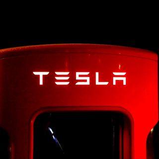 """Elon Musk """"Miente"""" en TESLA  (dicen sus empleados)"""