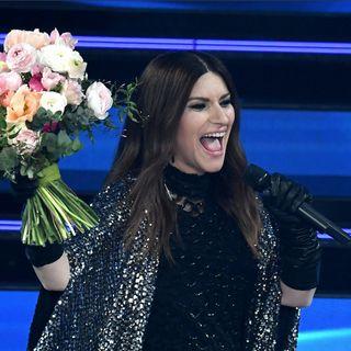 A Sanremo emozione Pausini e omaggio a Morricone